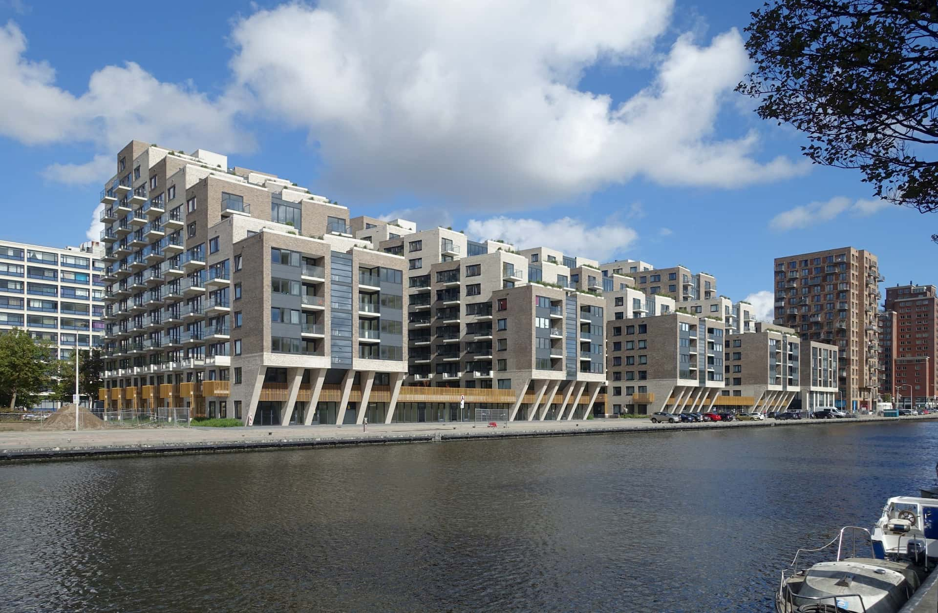 Caland-Dock-scaled
